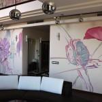 Роспись квартир. Цветы на стене