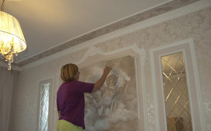 Интерьер стен подразумевает гармоничное сочетание стен и потолков