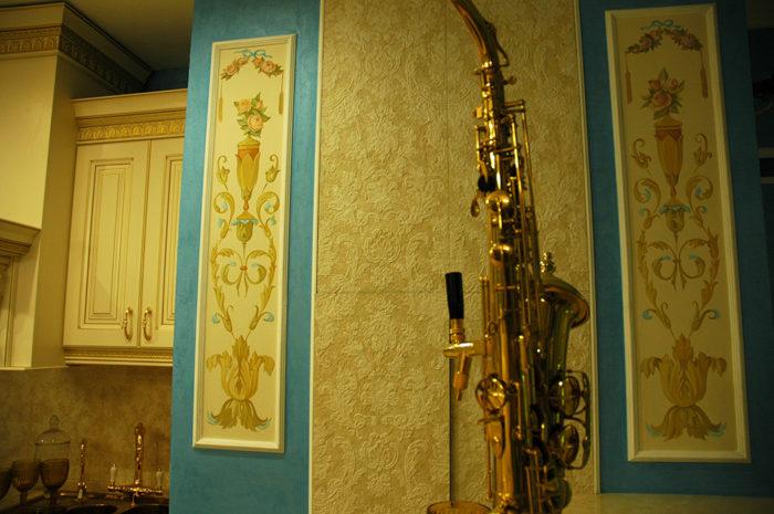Техника росписи стен, краска для стен может быть разной и масляной и темперной, но в основном акриловая
