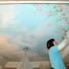 Роспись потолков может быть легкой, но детальной. Художественная роспись потолка