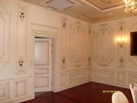Орнамент на стене должен подчеркивать не только архитектуру, но предназначение помещения.