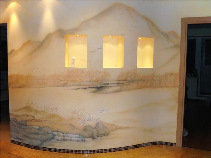 Удачное сочетание стилизации природы и стены демонстрирует эта роспись интерьера