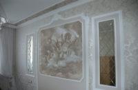 На специально подготовленной поверхности прекрасно смотрится роспись красками.