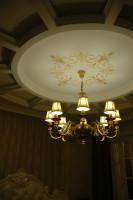 . Искусство росписи заключается в том, что бы орнамент на стене, либо на потолке удачно сочетался бы с архитектурой и интерьером