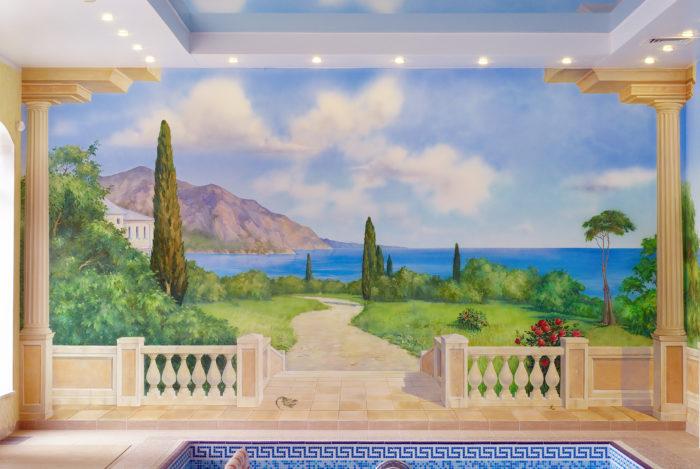 Роспись интерьера бассейна рассчитана на большой объем и влажное помещение.