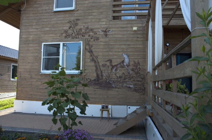 Роспись домов, роспись деревянного дома.