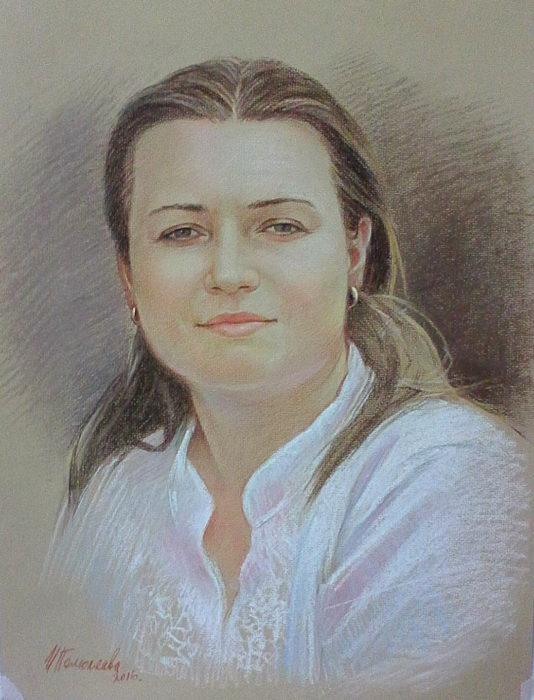 Портрет выполнен пастелью с фотографии